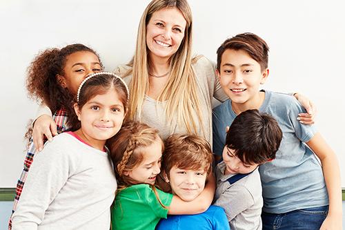 Kinder-, Jugend- und Familienbetreuung bei care & more plus Inklusionshilfe und Familienunterstützung Mettmann